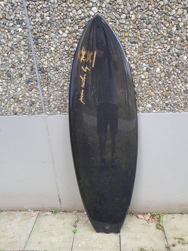 "5.2 x 19 ""  x 2.18 "" wavepool /river black carbon GOLD EDITION ! bat tail !"