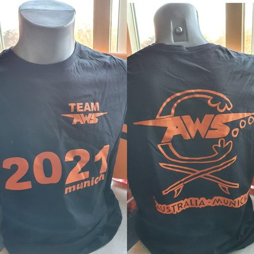 T SHIRT TEAM AWS munich 2021  dark grey